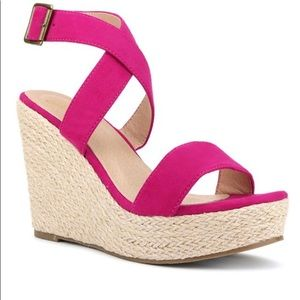 🚫SOLD🚫 Fuchsia Wedge sandal